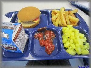 クリントン中学校の給食